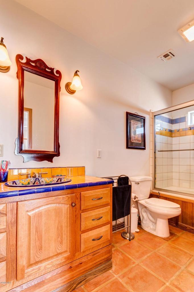 74784 FOOTHILL, 29 Palms, CA 92277 - Guest bath
