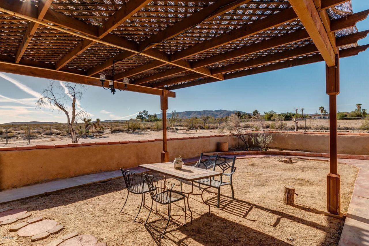 74784 FOOTHILL, 29 Palms, CA 92277 - Mountain view off Kitchen patio