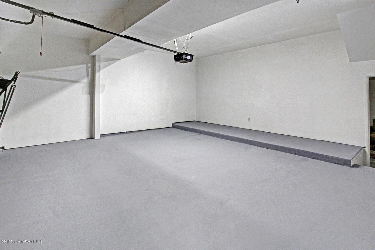 1137 FAIRVIEW, Arcadia, CA 91007 - 1137 Fairview Ave Arcadia garage