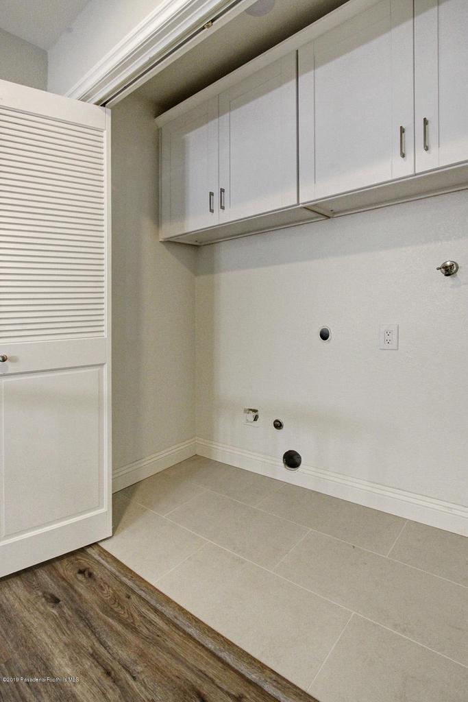1137 FAIRVIEW, Arcadia, CA 91007 - 1137 Fairview Ave Arcadia laundry closet