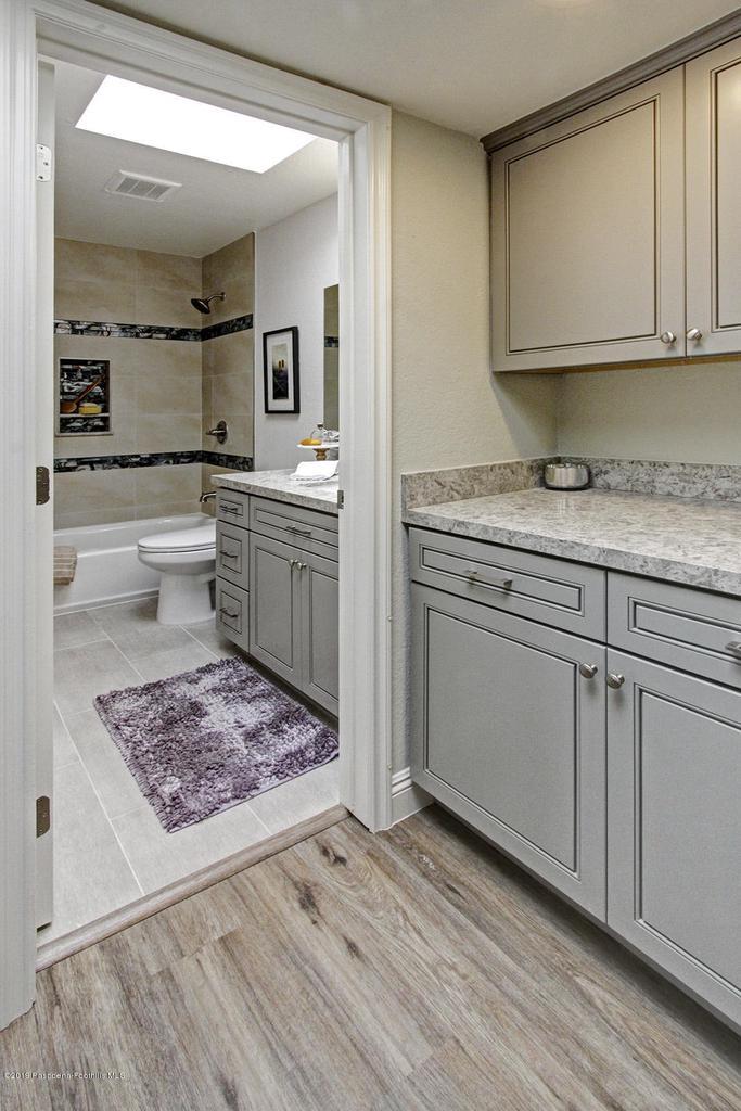 1137 FAIRVIEW, Arcadia, CA 91007 - 1137 Fairview Ave Arcadia hallway bath 1