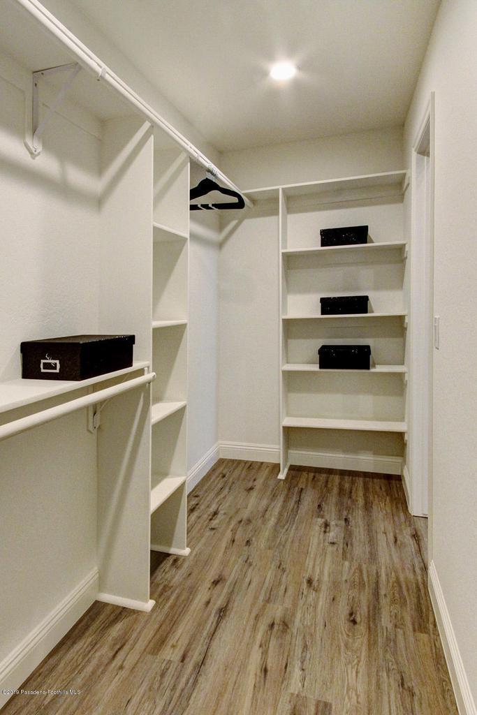 1137 FAIRVIEW, Arcadia, CA 91007 - 1137 Fairview Ave Arcadia master closet