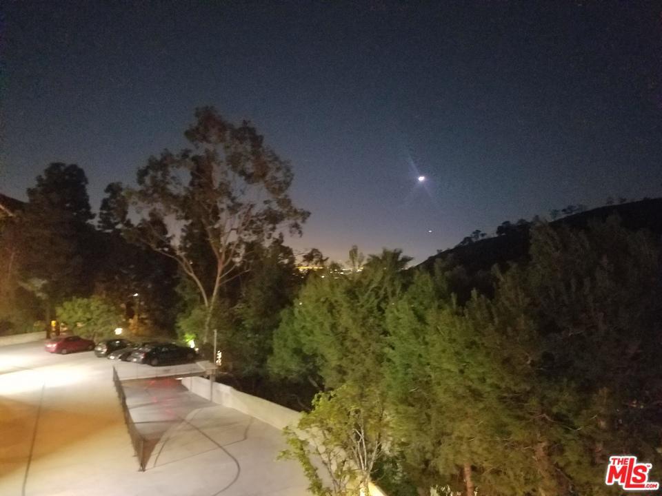 2700 CAHUENGA BLVD EAST, Los Angeles (City), CA 90068