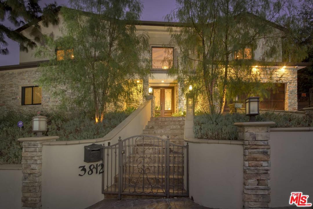 Photo of 3812 WOODCLIFF RD, Sherman Oaks, CA 91403