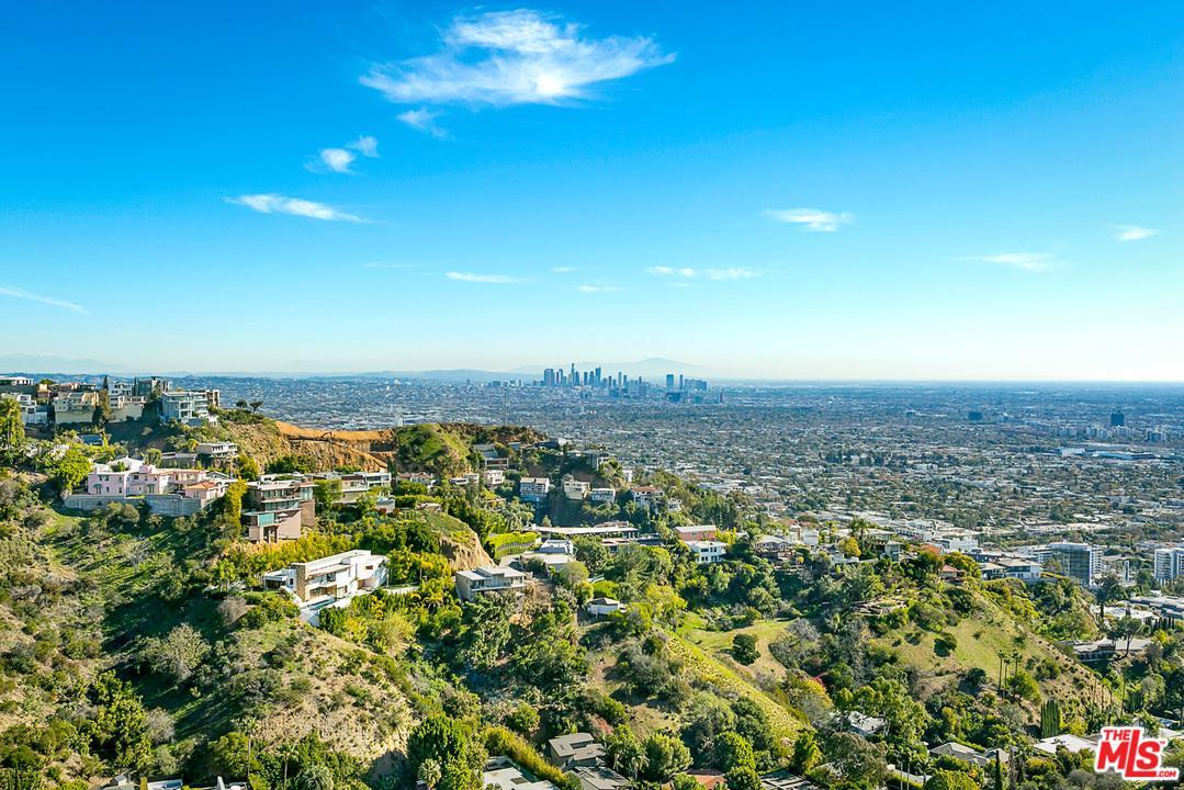 1550 BLUE JAY, Los Angeles (City), CA 90069