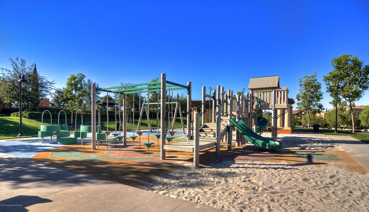 27 LAND BIRD, Irvine, CA 92618 - Playground