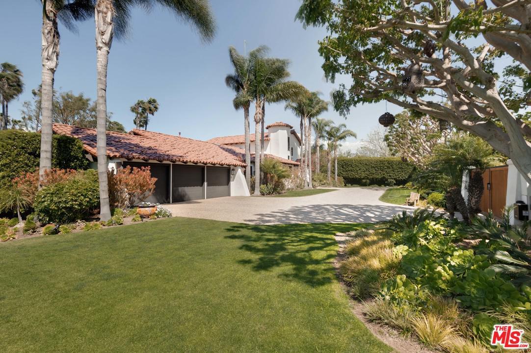28955 SELFRIDGE, Malibu, CA 90265