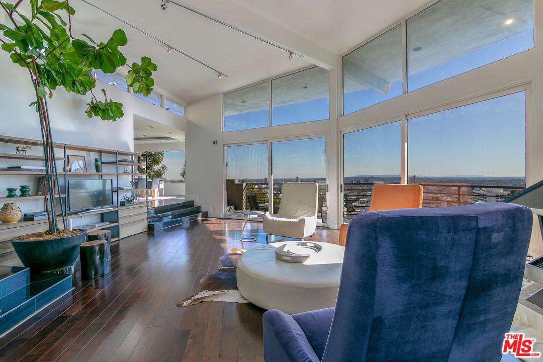 8406 HOLLYWOOD, Los Angeles (City), CA 90069
