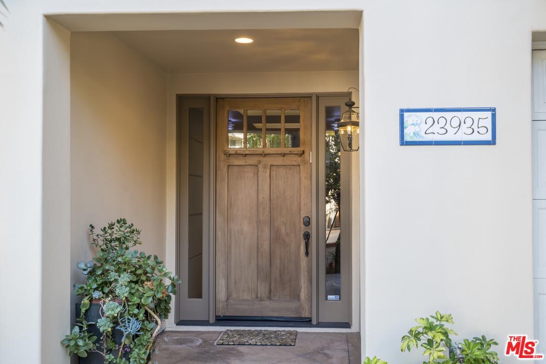 23935 DE VILLE, Malibu, CA 90265