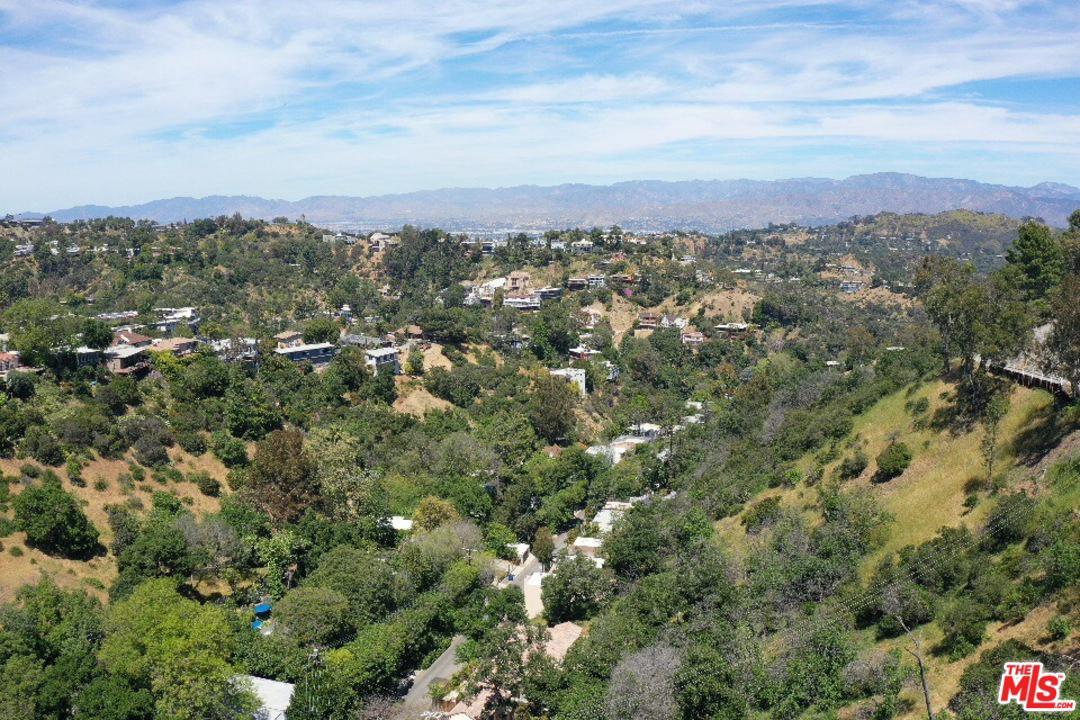 8993 CRESCENT, Los Angeles (City), CA 90046