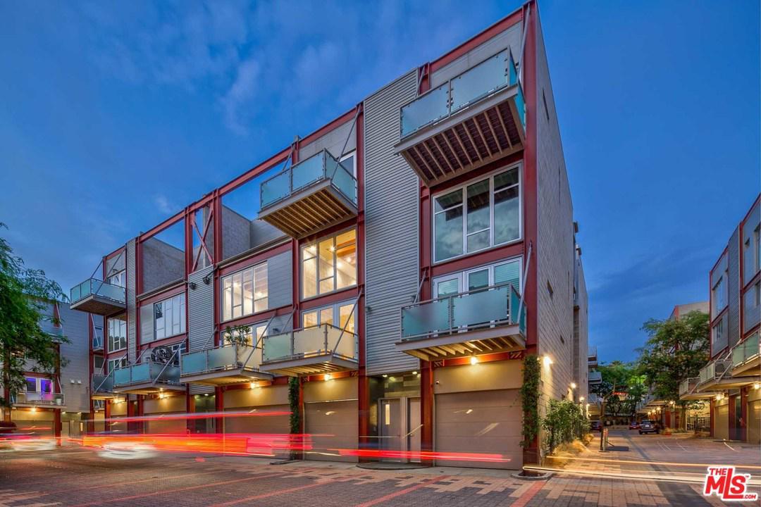 3450 CAHUENGA, Los Angeles (City), CA 90068