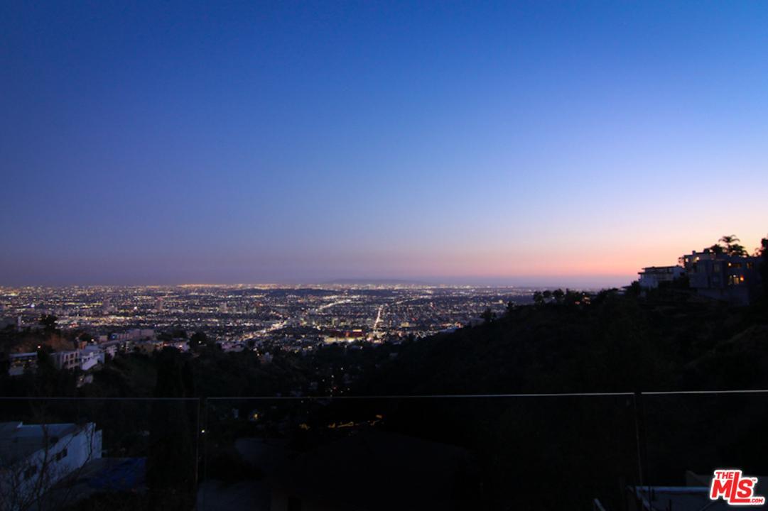 2158 SUNSET PLAZA, Los Angeles (City), CA 90069
