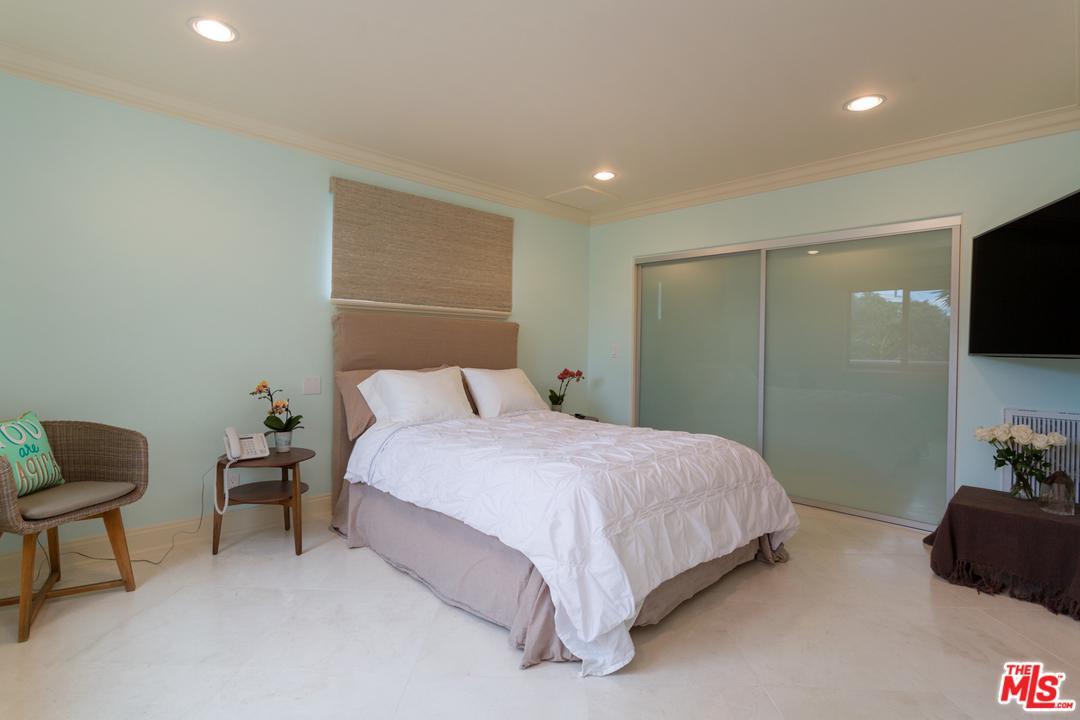 2448 SILVERSTRAND, Hermosa Beach, CA 90254