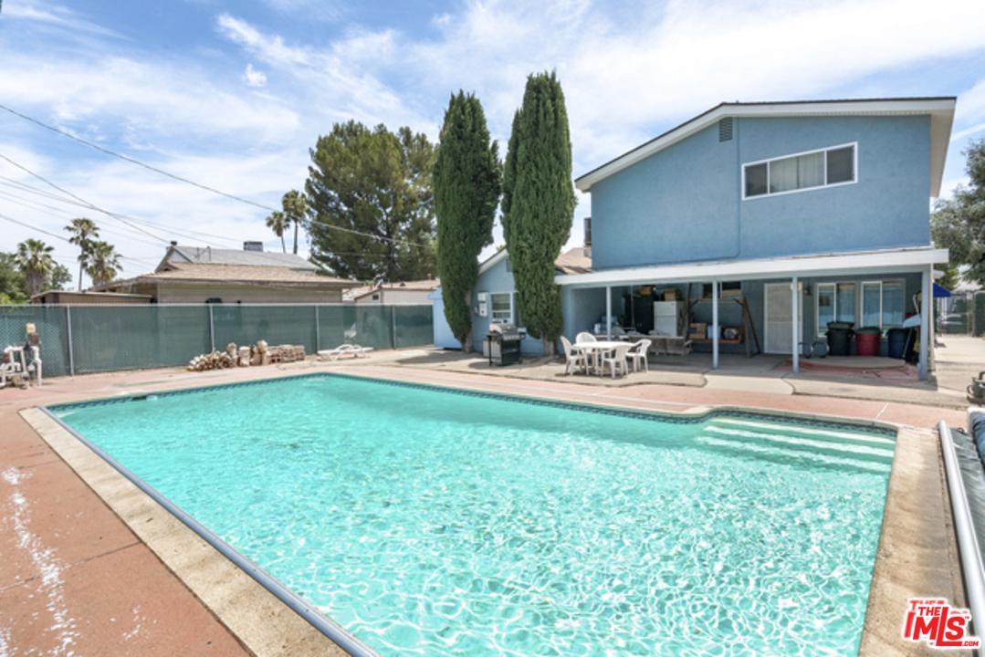 15931 KALISHER, Granada Hills, CA 91344
