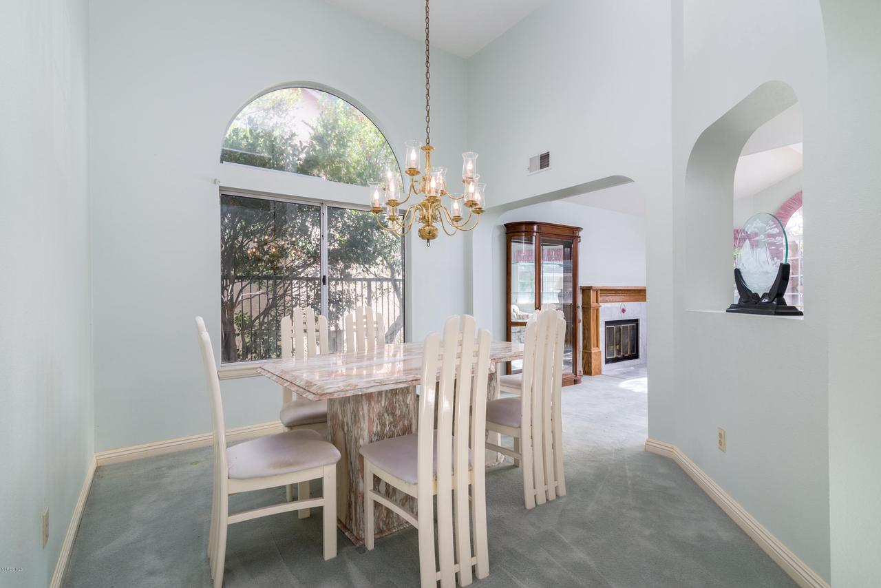 23825 STRATHERN, West Hills, CA 91304 - Dining Room
