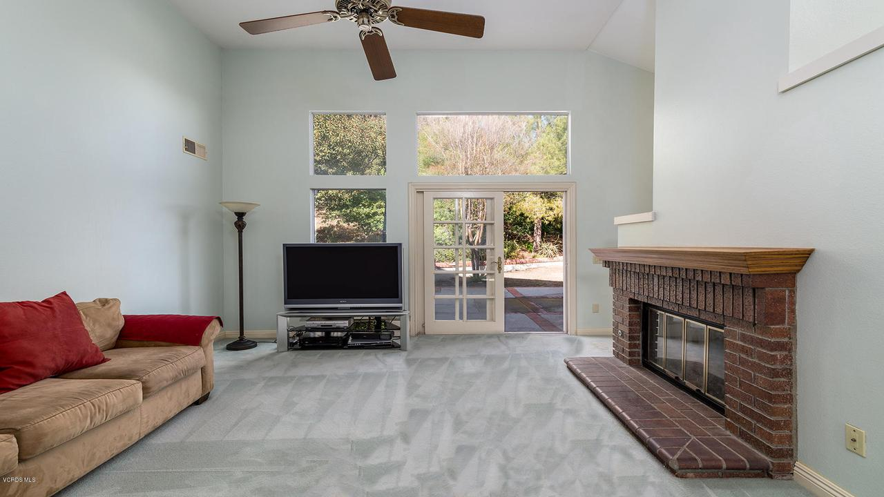 23825 STRATHERN, West Hills, CA 91304 - Family Room 2