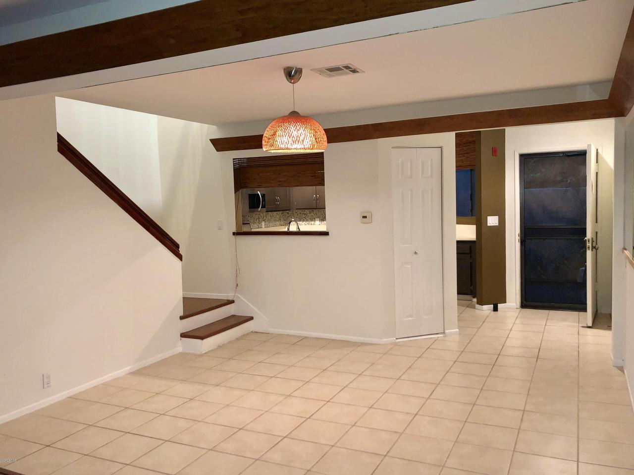 707 ISLAND VIEW, Port Hueneme, CA 93041 - ENTRANCE/DINING AREA
