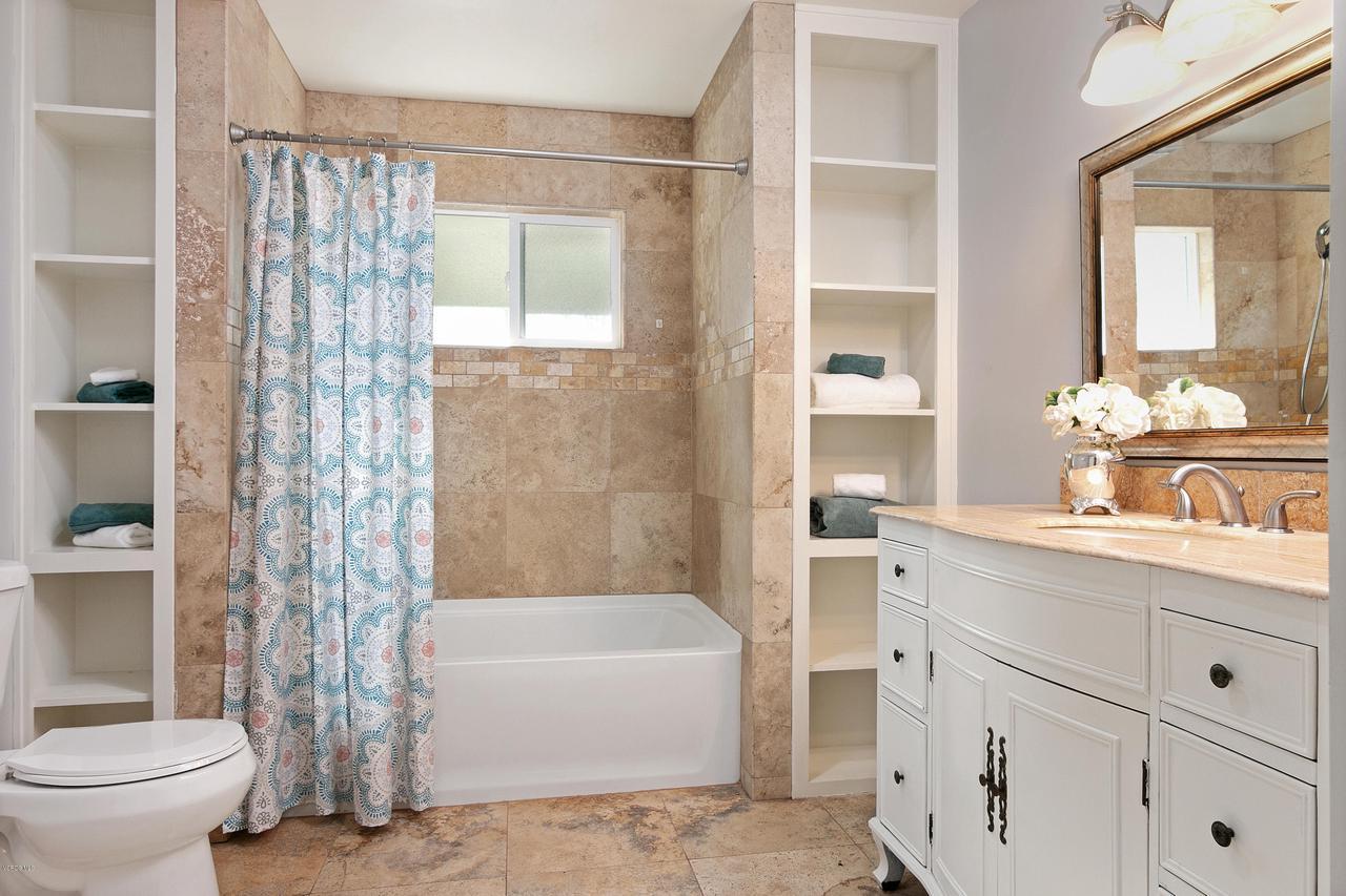 1694 RICE, Ojai, CA 93023 - 1694 S Rice Rd-print-023-32-Bathroom-350
