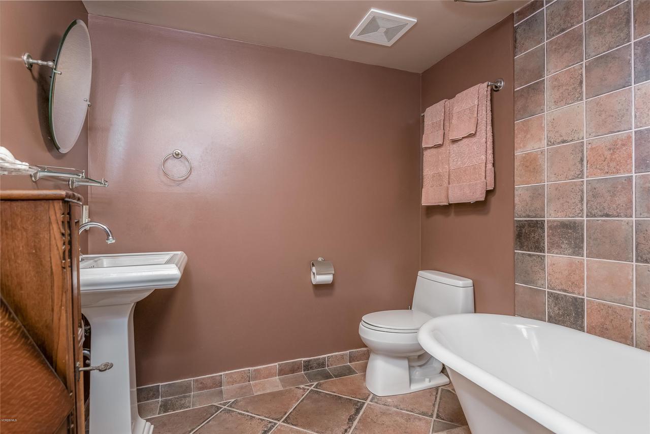 392 SAUL, Ventura, CA 93004 - 024_20-Bathroom 2