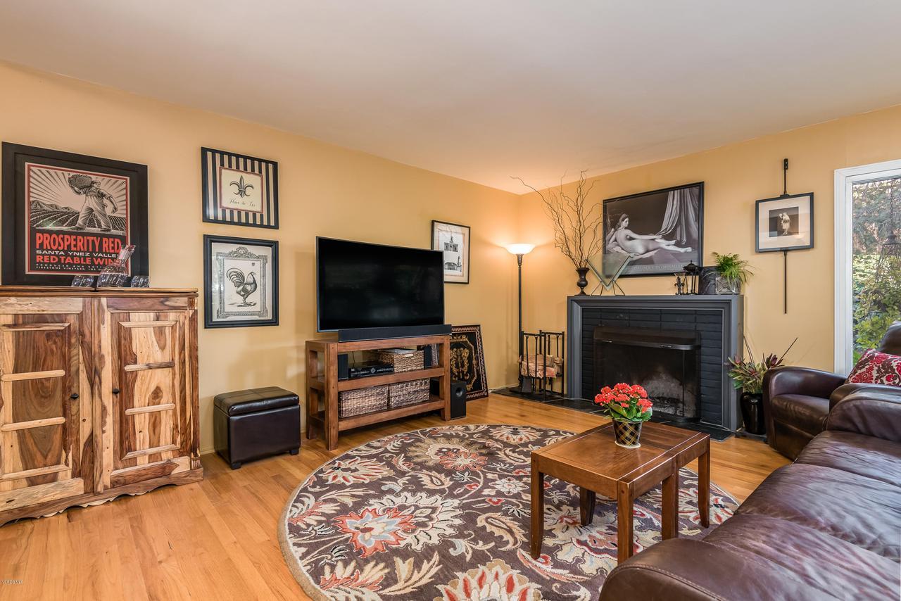 392 SAUL, Ventura, CA 93004 - 010_06-Living Room