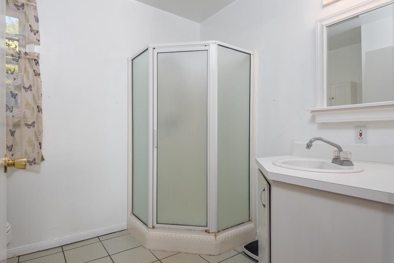 392 SAUL, Ventura, CA 93004 - 038_34-Bathroom-Guest Home