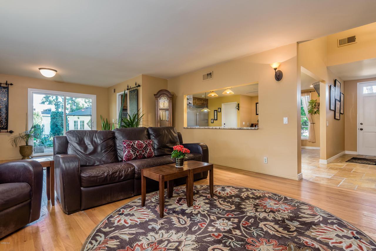 392 SAUL, Ventura, CA 93004 - 012_08-Living Room