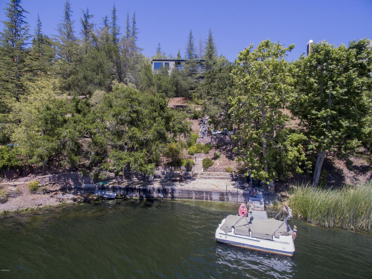 2023 TRENTHAM, Lake Sherwood, CA 91361 - Lakefront