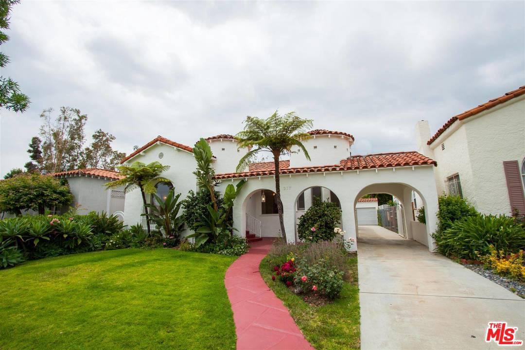 217 CLARK, Beverly Hills, CA 90211
