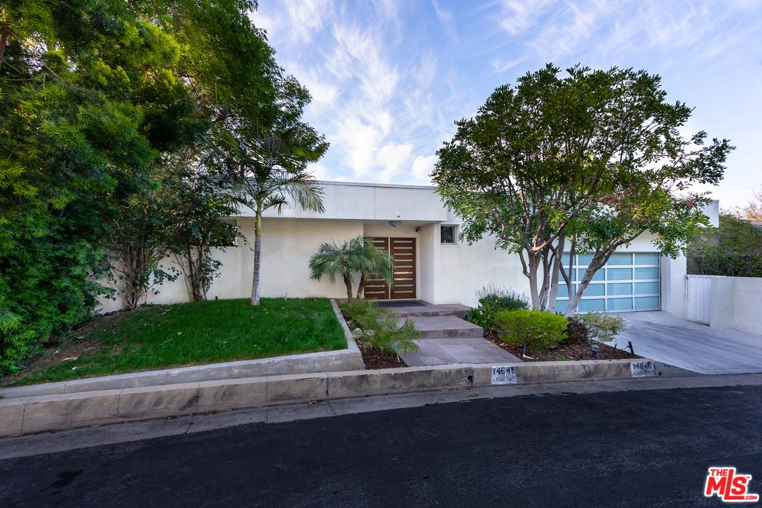 Photo of 14645 ROUND VALLEY DR, Sherman Oaks, CA 91403