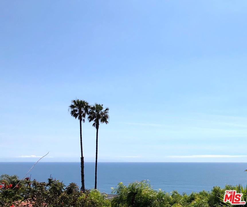 20494 ROYAL STONE, Malibu, CA 90265