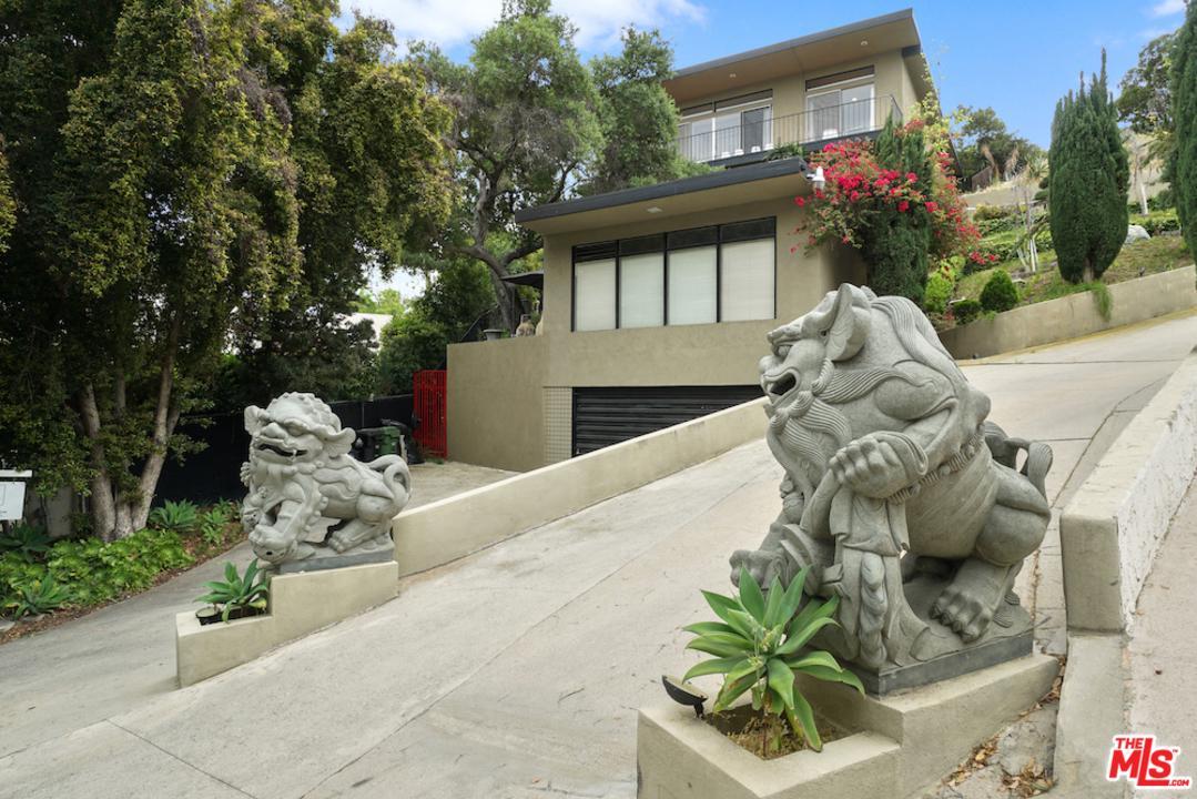 2175 PONET, Los Angeles (City), CA 90068