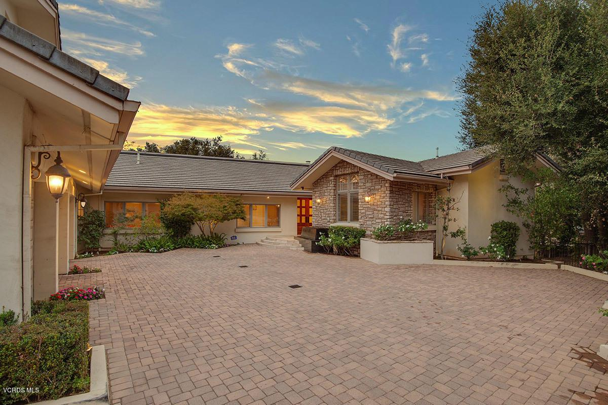 5404 INDIAN TRAIL, Westlake Village, CA 91362 - 5404-indian-trail-ct-frontyard-twilight-