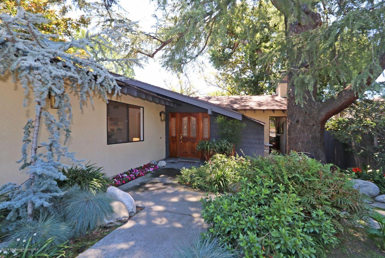 946 TOPEKA, Pasadena, CA 91104 - 4