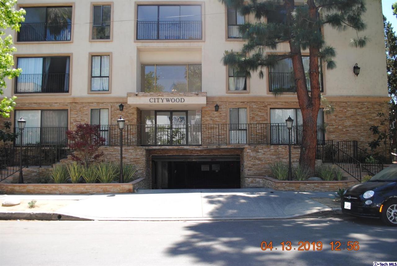 15344 WEDDINGTON, Sherman Oaks, CA 91411