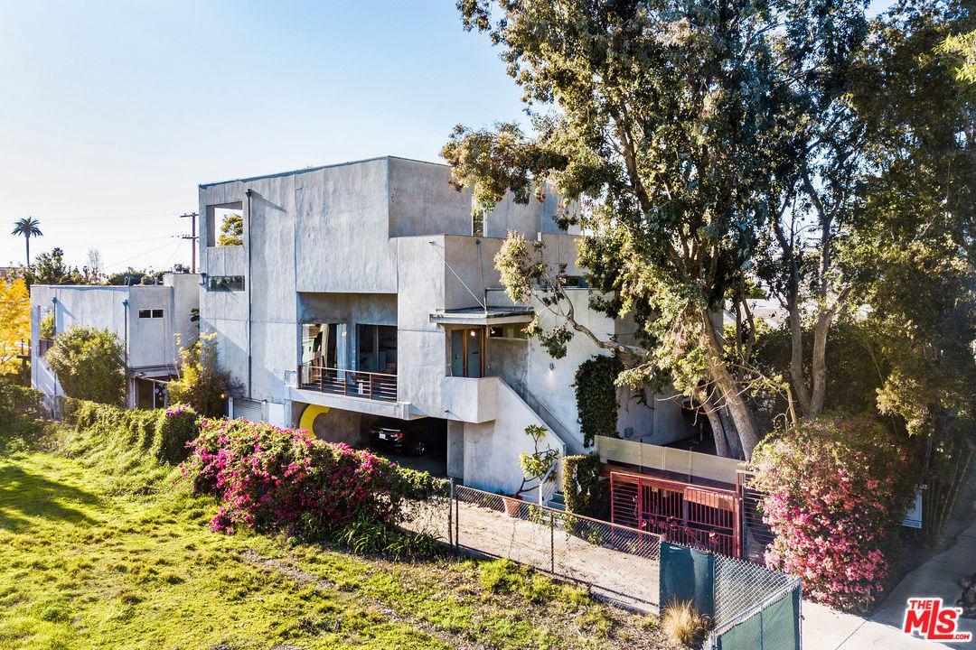 1531 WELLESLEY, Los Angeles (City), CA 90025