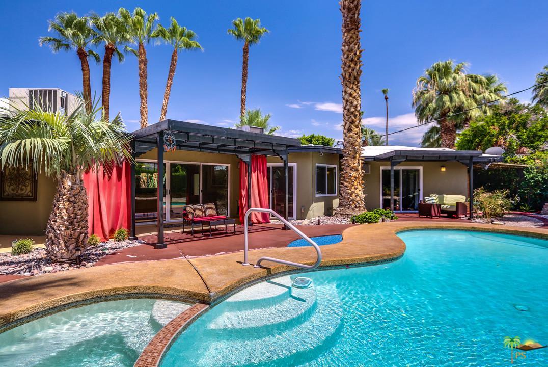 1685 AVENIDA OLANCHA, Palm Springs, CA 92264