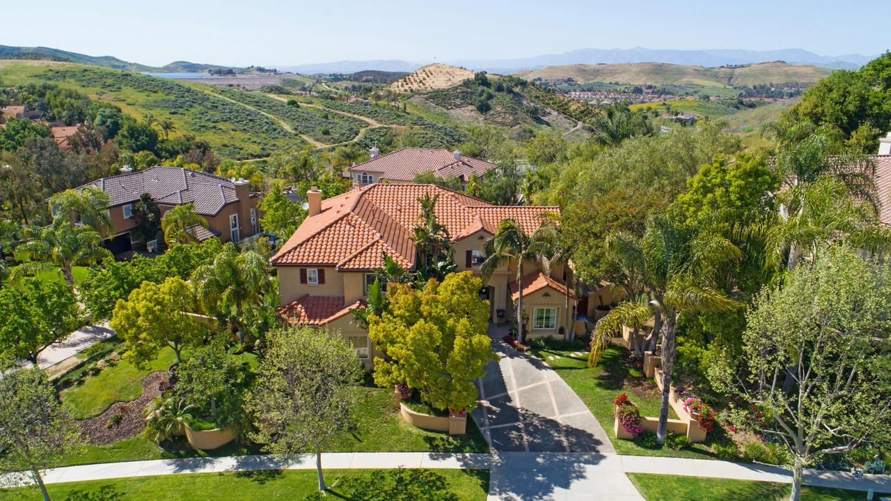 Photo of 237 SYCAMORE GROVE STREET, Simi Valley, CA 93065