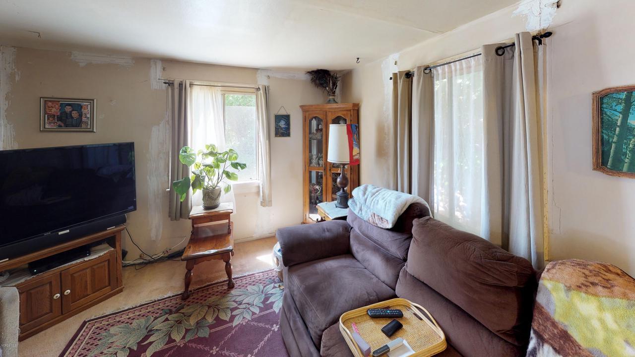 417 SKYHIGH, Ventura, CA 93001 - 417-Skyhigh-Living-Room(1)