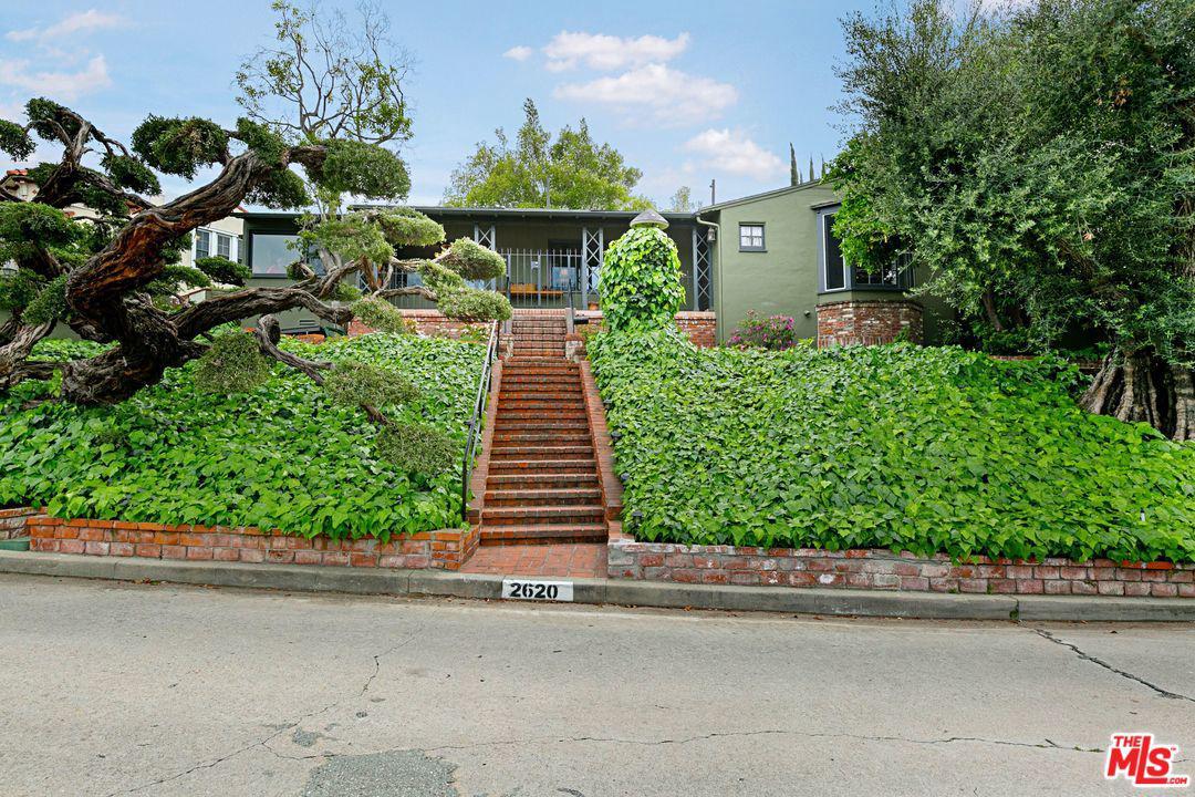 2620 IVANHOE, Los Angeles (City), CA 90039