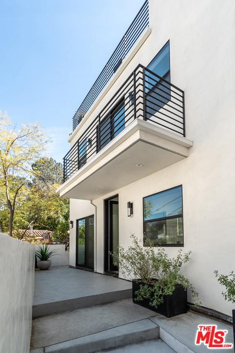 6154 GLEN ALDER, Los Angeles (City), CA 90068
