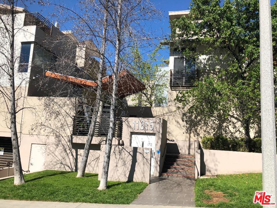 11815 LAURELWOOD, Studio City, CA 91604