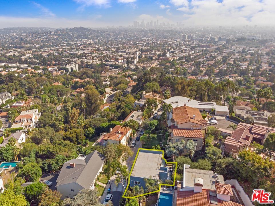 4749 BONVUE, Los Angeles (City), CA 90027