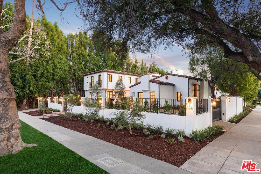 623 WALDEN, Beverly Hills, CA 90210