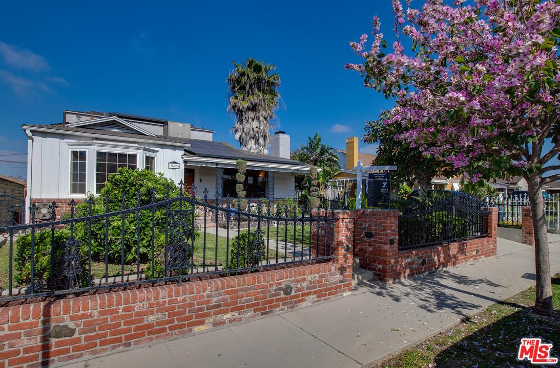 10425 RUTHELEN, Los Angeles (City), CA 90047