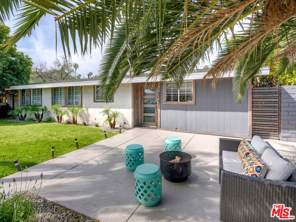 16927 ENADIA, Lake Balboa, CA 91406