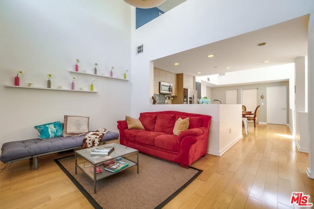 4005 MONROE, Los Angeles (City), CA 90029