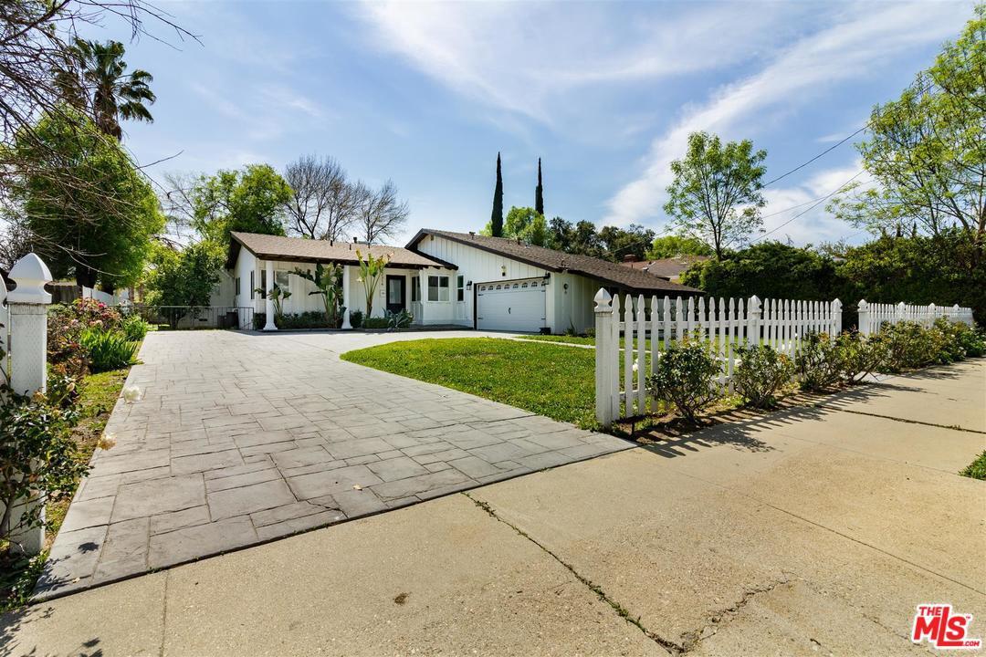 22314 VANOWEN, Los Angeles (City), CA 91303