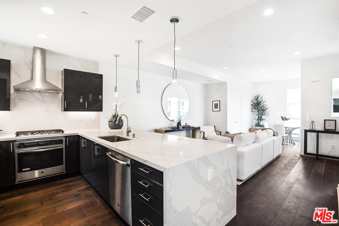 8414 BLACKBURN, Los Angeles (City), CA 90048
