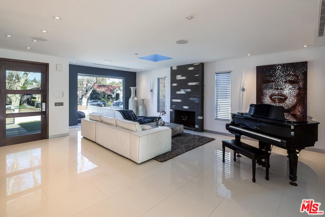 12334 CANTURA, Studio City, CA 91604