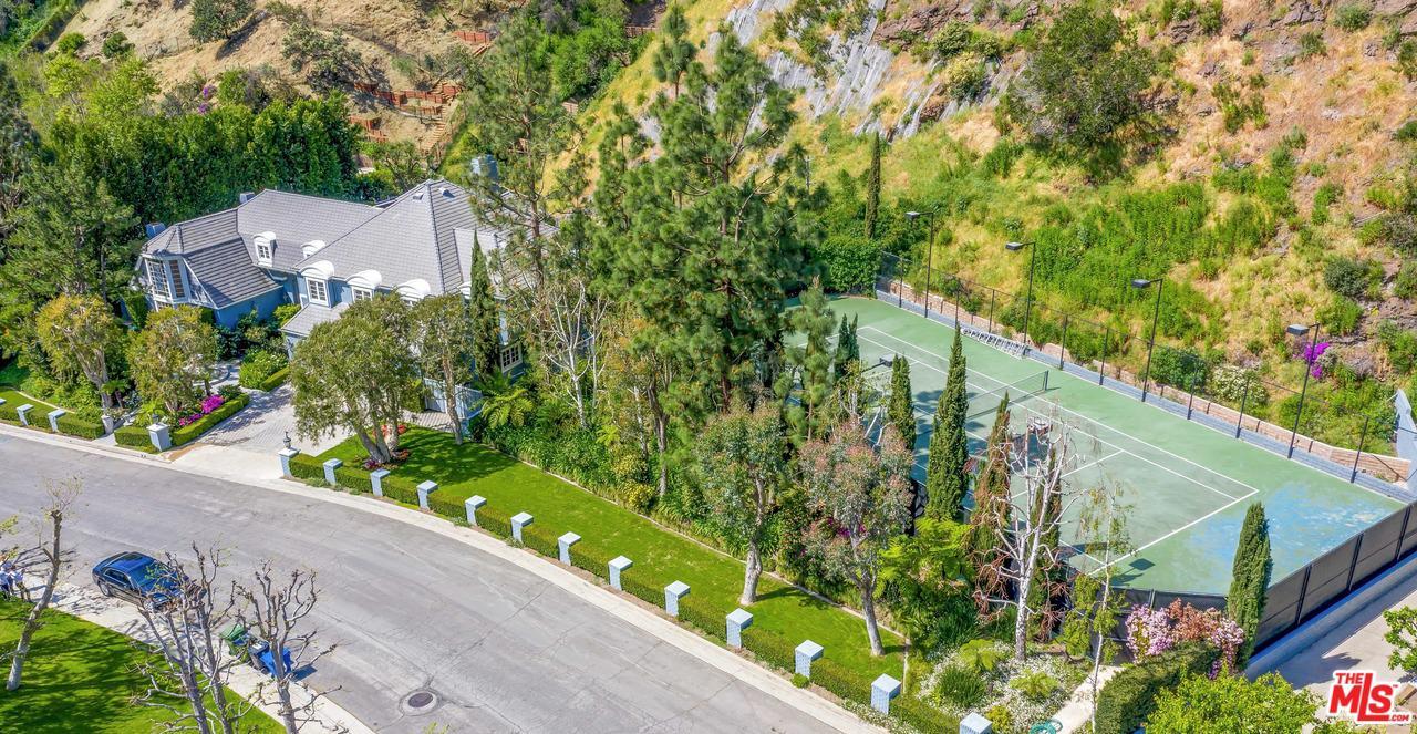 1401 MORAGA, Los Angeles (City), CA 90049